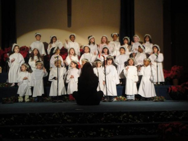 Elementary Christmas Program 09 042pk